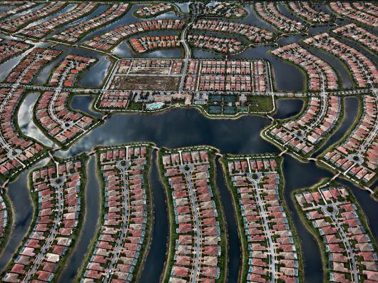 Construcció massiva d'urbanitzacions i zones residencials en VeronaWalk, Florida (EUA) Edward Burtynsky, 2012
